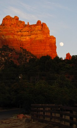 A Sedona Moonrise
