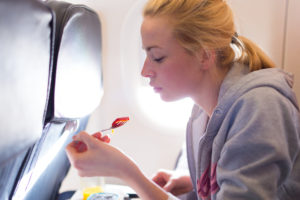 Pack the right travel foods for a healthy journey