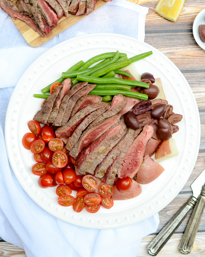 Less than 30 minutes to Dijon Steak Nicoise Salad - a lean, high-protein lunch or dinner. This recipe is sugar free, gluten free, and perfect for meal prepping. | theeverykitchen.com
