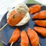 Buffalo Chicken on a Stick with Blue Cheese Dip | www.theeverykitchen.com