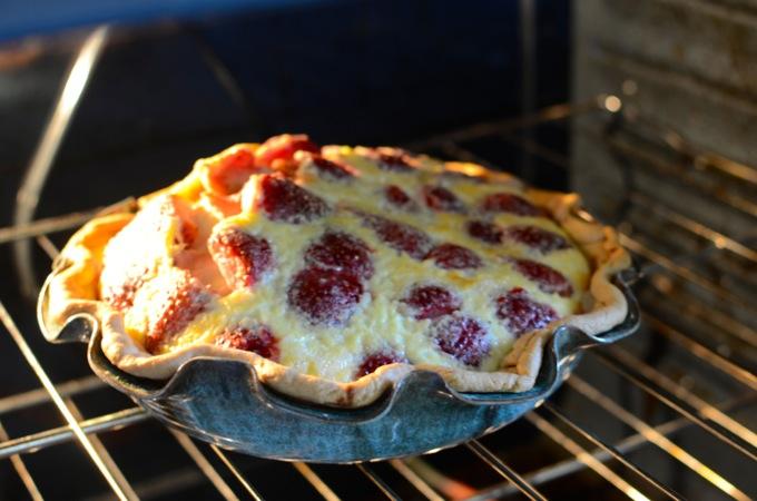 Strawberry Lemon Buttermilk Pie | theeverykitchen.com