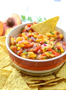 Perfect for your summer get-together! Fresh Mango Peach Salsa | theeverykitchen.com
