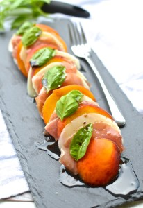 Peach and Prosciutto Caprese Salad: The BEST way to eat those summer peaches. | theeverykitchen.com