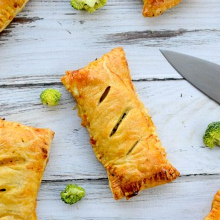 Homemade Ham & Cheese Hot Pockets | www.theeverykitchen.com