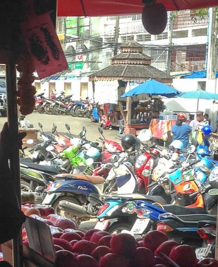 Chiang Rai market | www.theeverykitchen.com