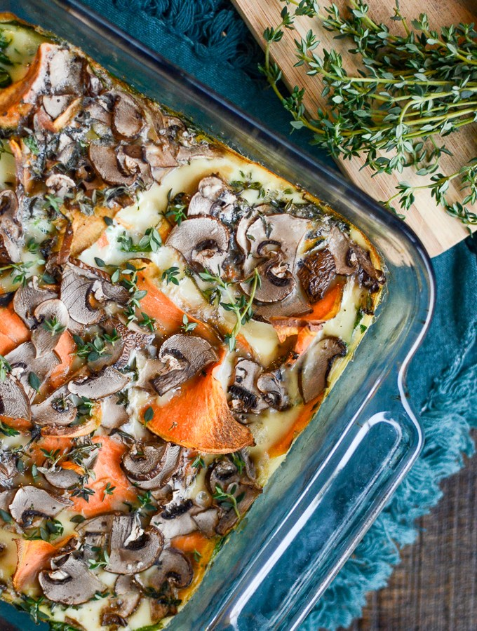 Sweet Potato Mushroom Egg White Frittata is a healthy, well-balanced breakfast recipe. Dirty details: high protein, dairy free, grain free, and sugar free. | theeverykitchen.com