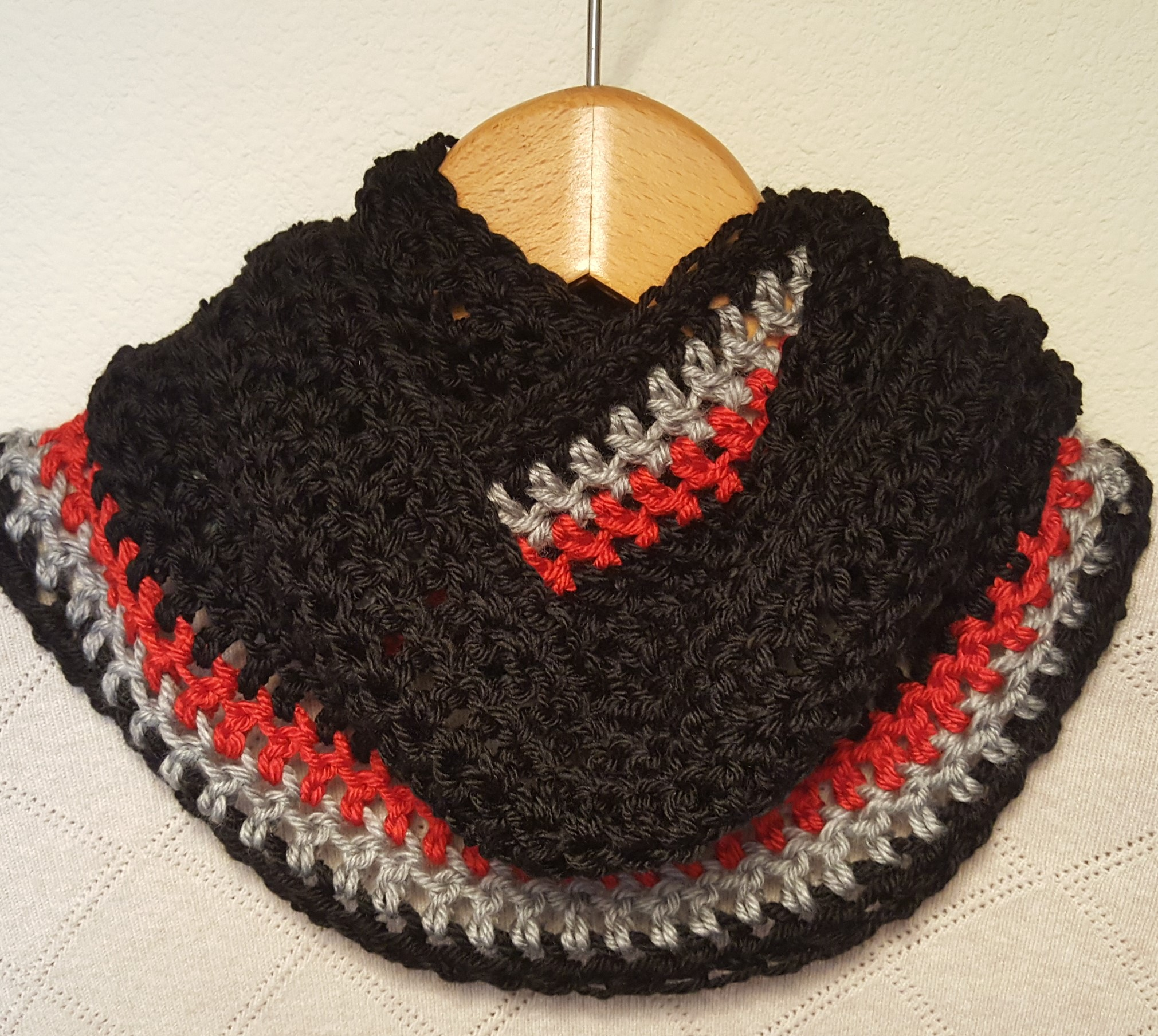 black red-grey hand-crocheted cowl