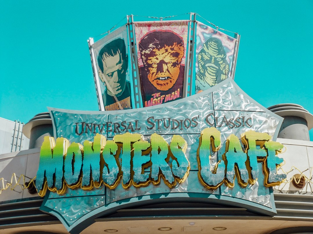 monsters_cafe