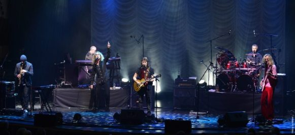 Band Live Photo - Steve Hackett press one(4) copy