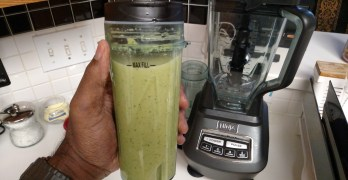 ninja bl770 Kale, Apple, Tangerine, Peanut Butter Smoothie