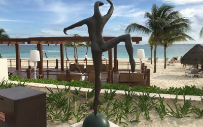 AMAZING SCULPTURES AND BEAUTIFUL DESIGN AT THE EXCELLENCE PLAYA MUJERES