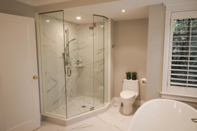 Colonial Master Bathroom by The Expert Touch Interior Design