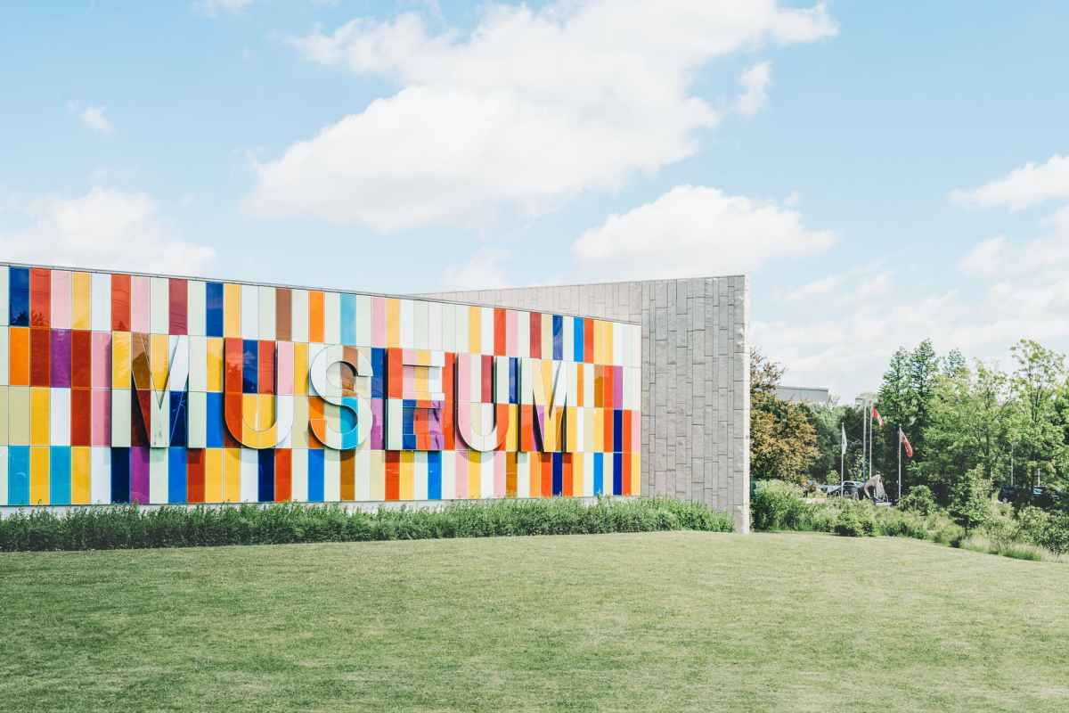 white red and blue museum on green grass