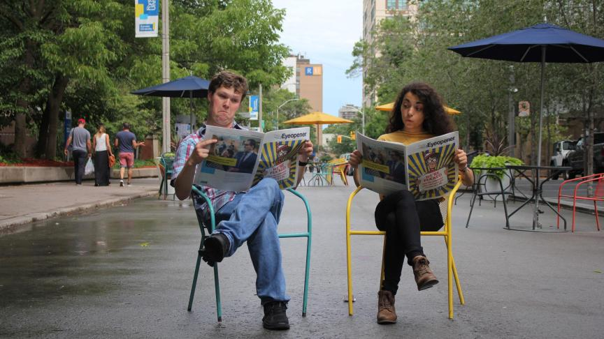 Some students enjoying some wholesome campus news. PHOTO: Sarah Krichel