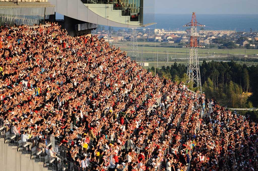 suzuka-f1-grandstands