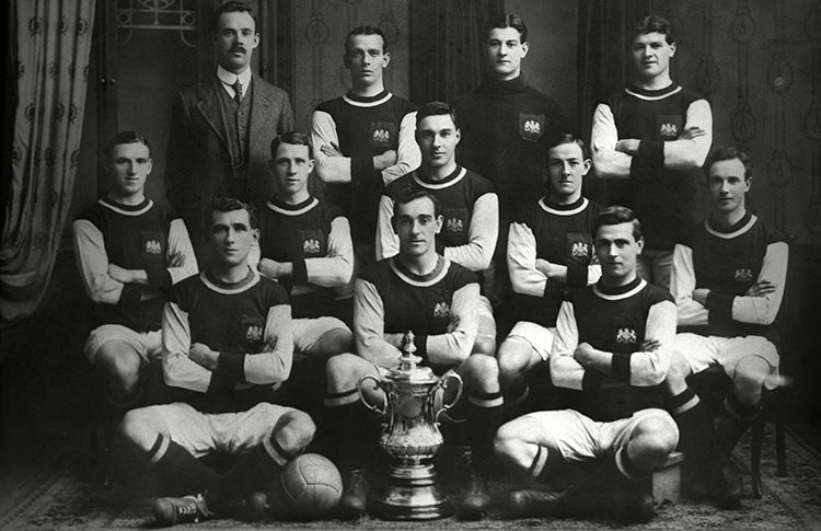 The Burnley team who beat Liverpool in 1914 to seal their first FA Cup title.
