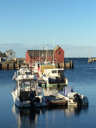 ROCKPORT MOTIF WITH BOATS
