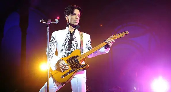 """Hear the previously unreleased Prince song """"Born 2 Die"""" 1"""