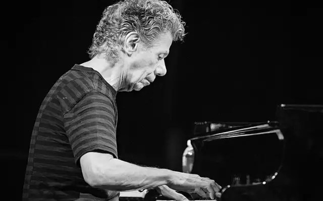 Storied jazz pianist and composer Chick Corea has died at 79 1