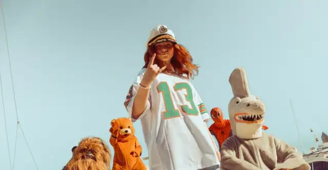 """Payday hits the sea with Spider-Man and Chewbacca in her """"Dolphin"""" video 1"""
