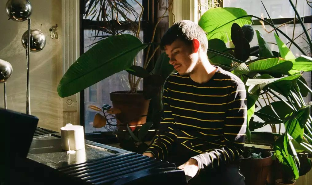 Orange Fall Wallpaper Fall In Love With Rex Orange County In This New Fader