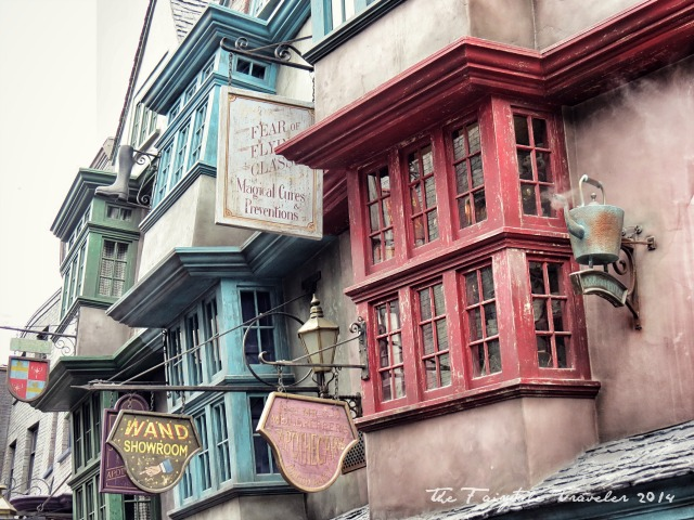 Universal Studios Diagon Alley shops 12