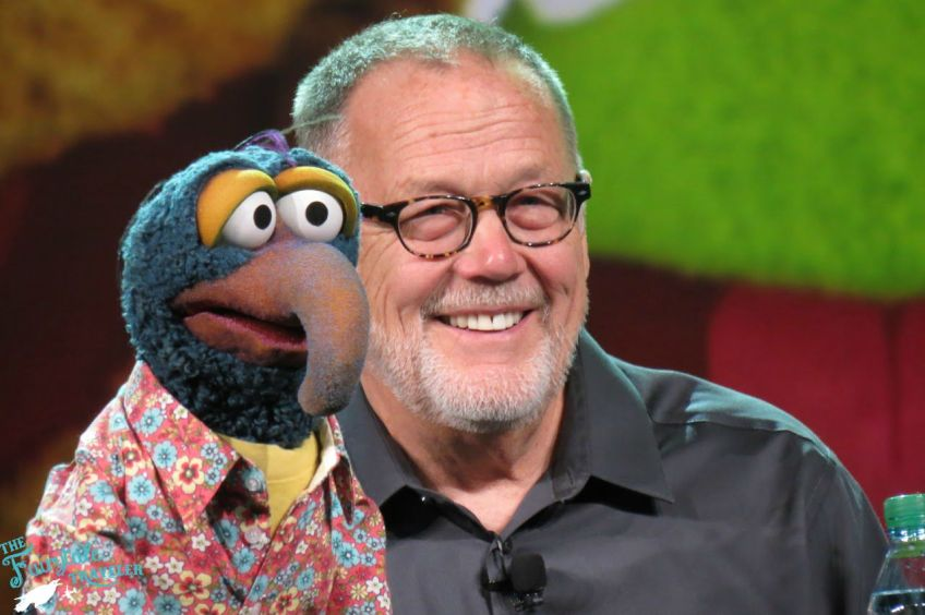 Dave Goels with Gonzo for The Muppets D23 Expo Panel8