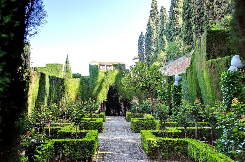 Alhambra Gardens, Beautiful Gardens