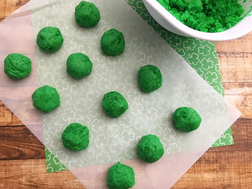 St. Patrick's Day Cake Pops, Cake Pops, recipe