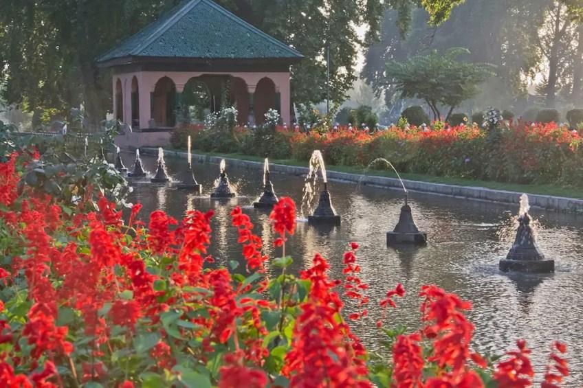 Beautiful Gardens, Shalimar Bagh Mughal Garden Srinagar