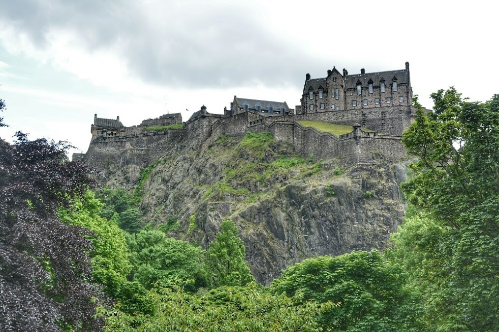 most haunted places in Europe, Edinburgh Castle, Scotland