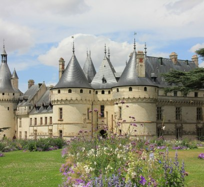 magical chateaus in france, plan a wedding abroad