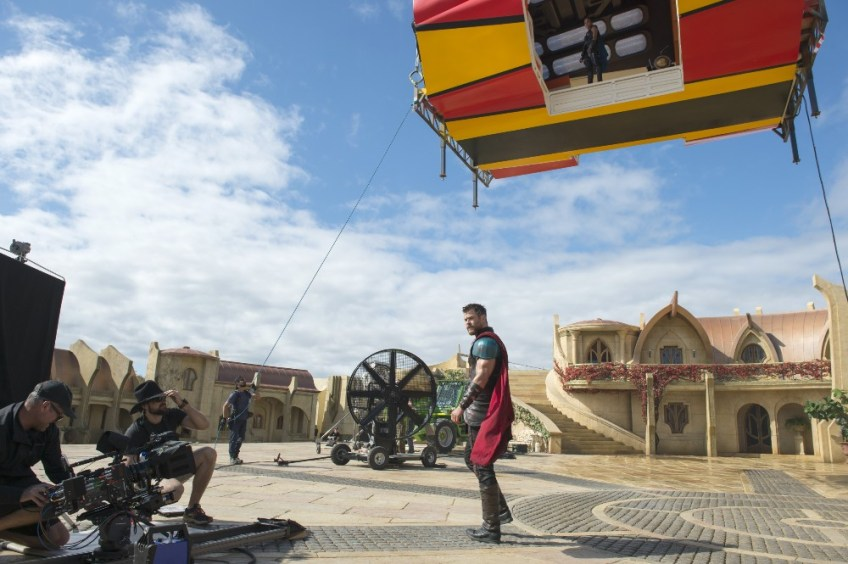 Thor Ragnarok set images new