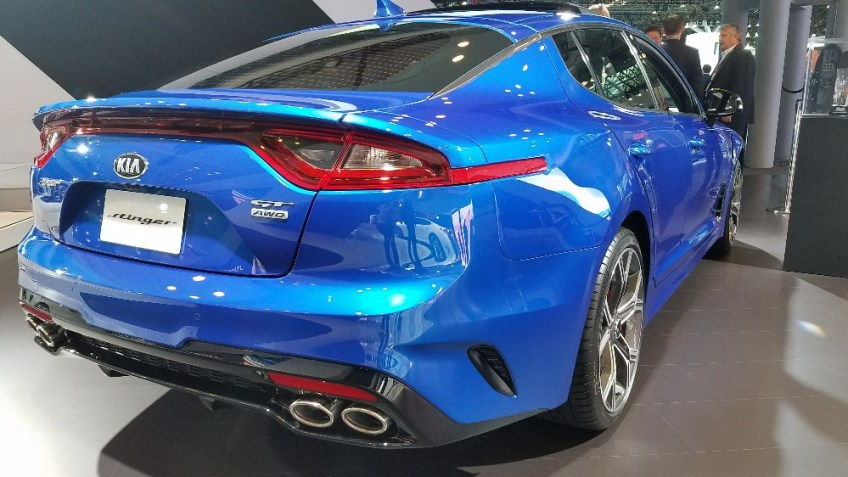 2017 New York Auto Show, Kia, Stinger
