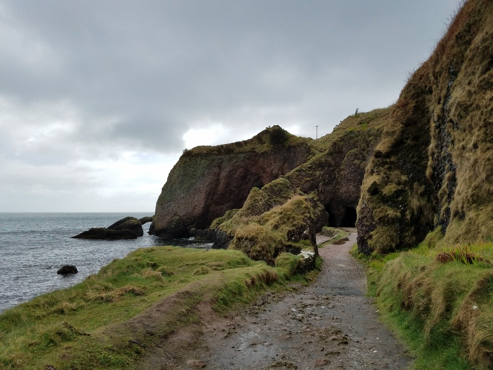 Game of thrones filming locations in northern ireland, melisandre shadow baby
