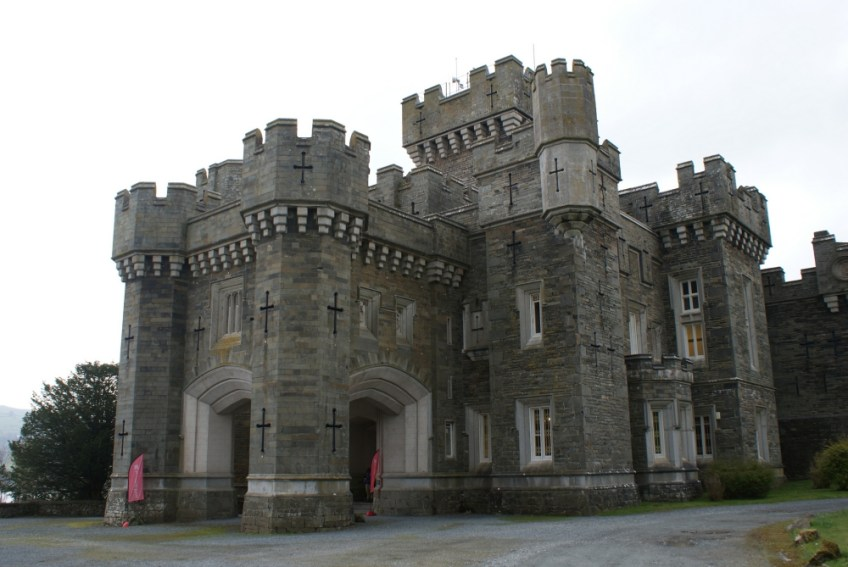 places to visit and film, Gothic Castles in the UK
