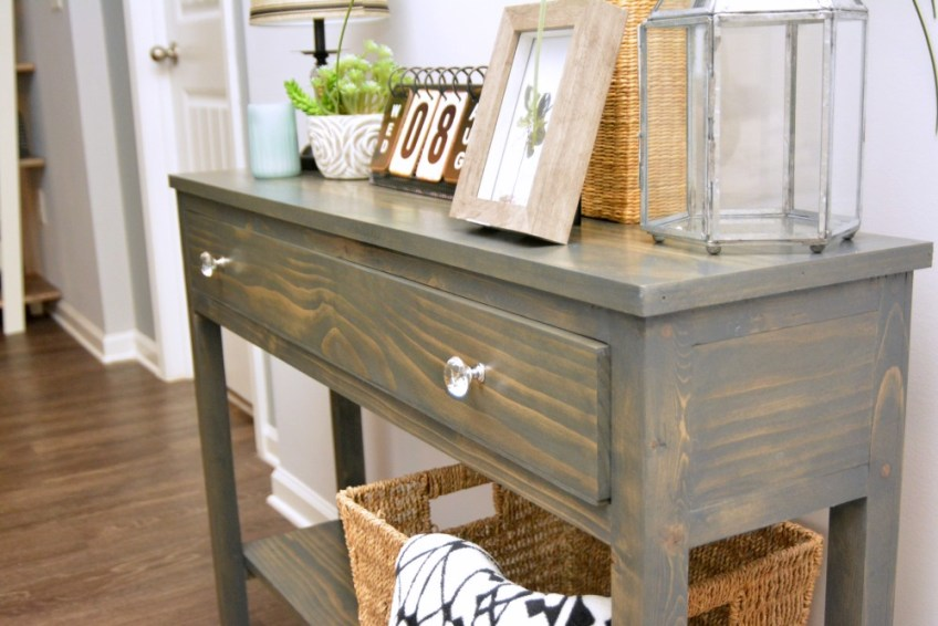 Farmhouse entryway, entryway table, budget friendly farmhouse decor