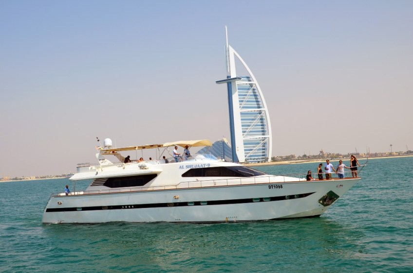 dubai yacht, luxury experiences in dubai