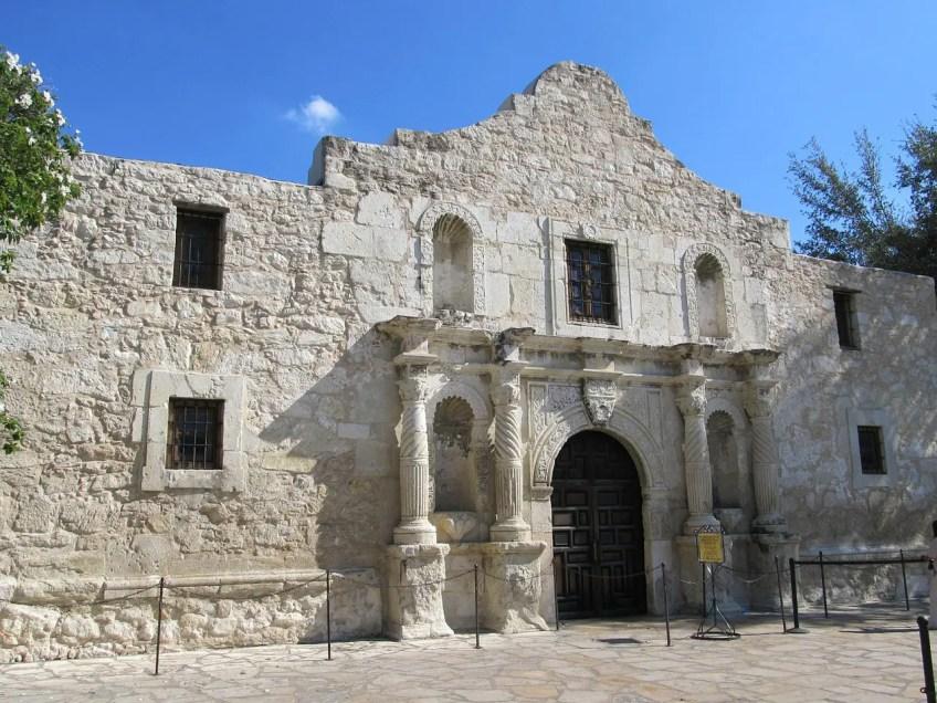 The Alamo, Living in San Antionio