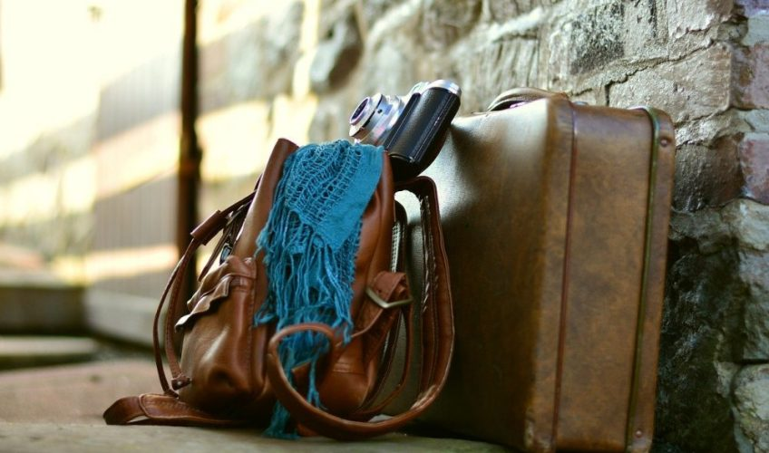 clothing for your vacation, suitcase, travel hacks
