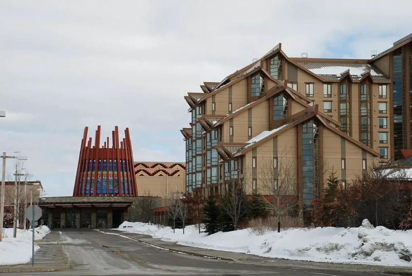 Casino Rama, Visiting Canada