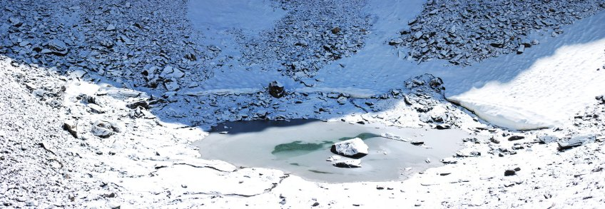 Roopkund Mystery Lake, weird places in the world