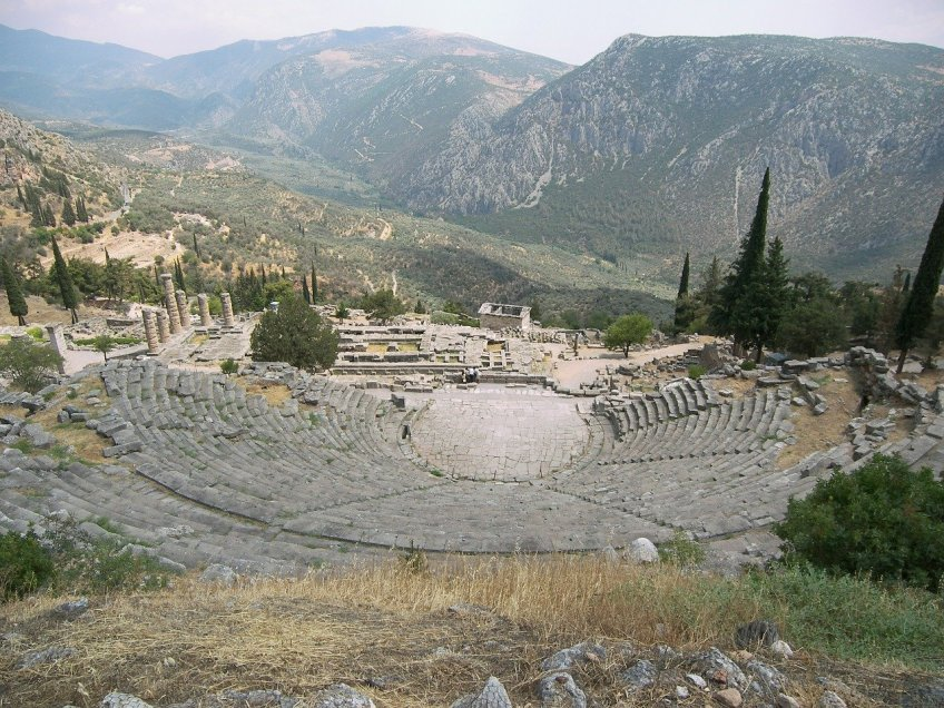ancient cities in Greece, Delphi, Greek amphitheater