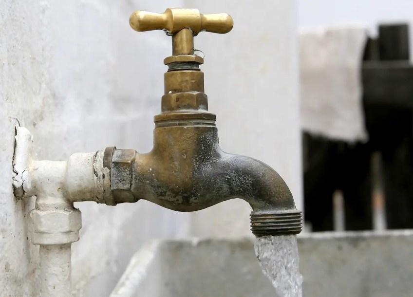 water faucet, spout, outdoor
