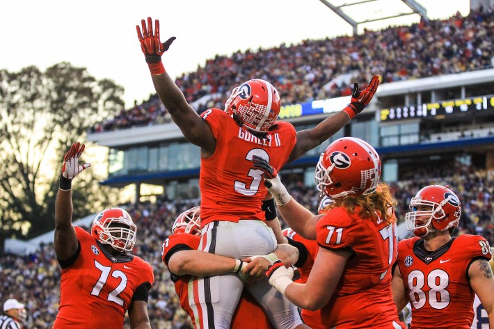 Throwback Highlights: Gurley completes 50-yard pass for Georgia