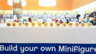 LEGO Build A Minifigure Bar - Faces - January 2016