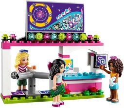 LEGO Friends Amusement Park Roller Coaster - 19