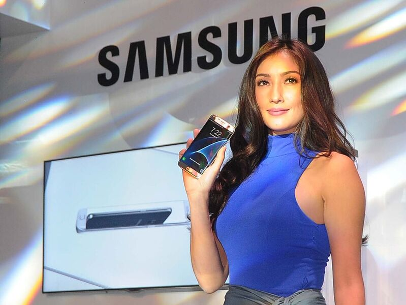 Long-time Samsung ambassador, Solenn Heussaff, is the face of the latest addition to the Samsung S line, the S7 edge and the S7