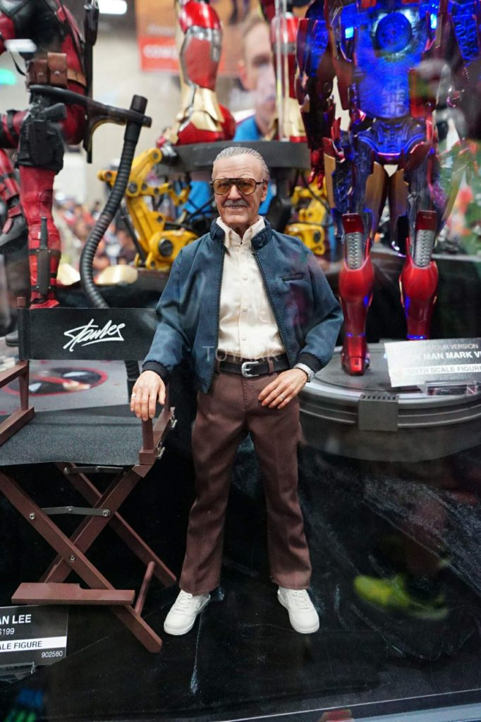 SDCC-2016-Hot-Toys-Marvel-Stan-Lee-001