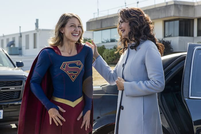 lynda-carter-in-supergirl-season-2-2